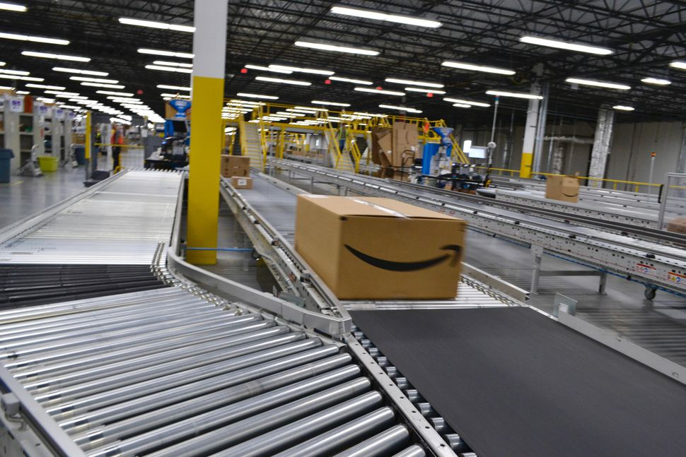 amazon-fulfillment-center-fall-river-box